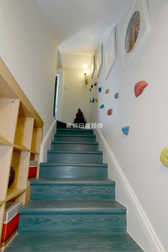 设计 远见名苑 80平现代简约两居复式装修案例 东易日盛装饰高清图片