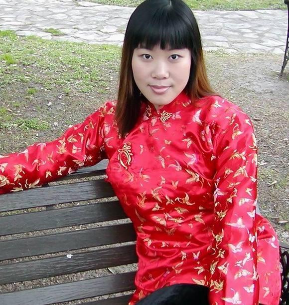 ... 穿大襟绸缎棉衣的女人_有女人穿花棉袄棉裤照片的