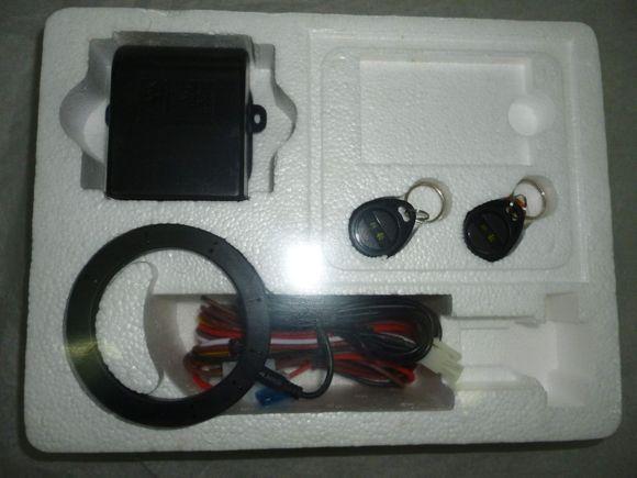 接线图所示分别与车上acc、喇叭控制、电源端子连接,不可就近高清图片