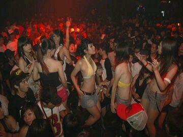 布加迪酒吧 狂嗨现场美女dj嗨爆全场