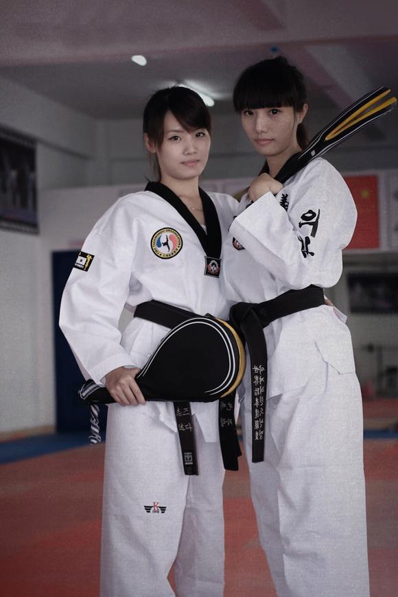跆拳道美女高手 西安吧