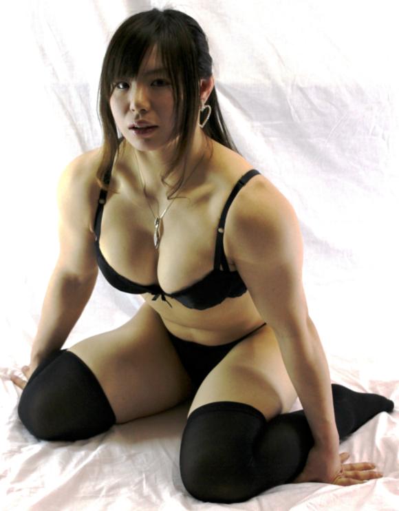 日本不败格斗女王中井伶重口味自拍写真视频