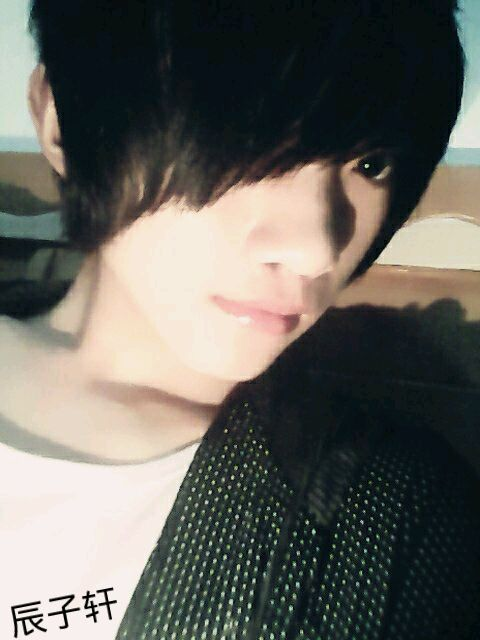 14岁帅哥照片 14岁帅哥照片真人的 13或14岁小帅哥