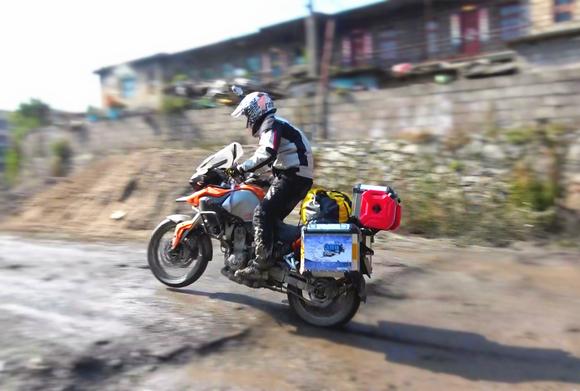 【持续直播】亡命边境两万里,记者骑摩托深入12个邻国敏感区
