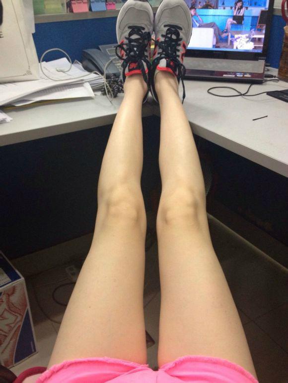 看美女 漏大腿9797