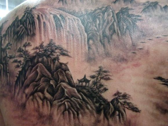 满背山水进行中喜欢的朋友来顶下,中山精艺q_纹身吧图片