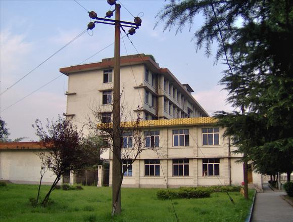 宜宾职业技术学院各校区高清照图片
