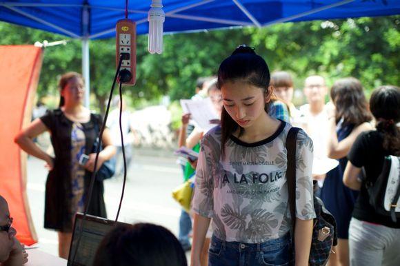 重庆大学2014年新生报道图片美女专贴