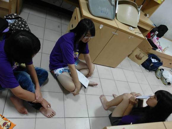 台湾初中女生的小嫩脚