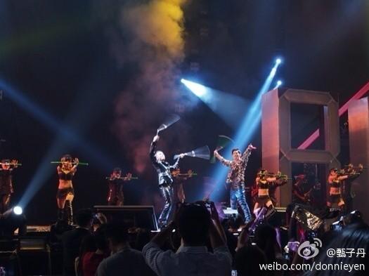 周杰伦2004香港演唱会图片 45180 525x393-周杰伦香港演唱会2017图图片