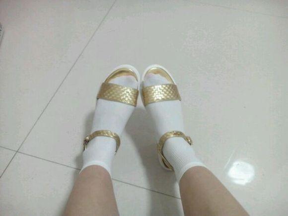 有爱穿白袜子的女生么