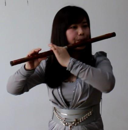 学吹笛子的持笛子姿势参看