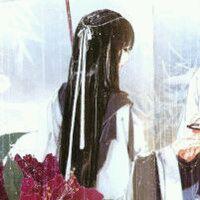 【帝君-求图】求白衣女子和背影长发的的头像图片