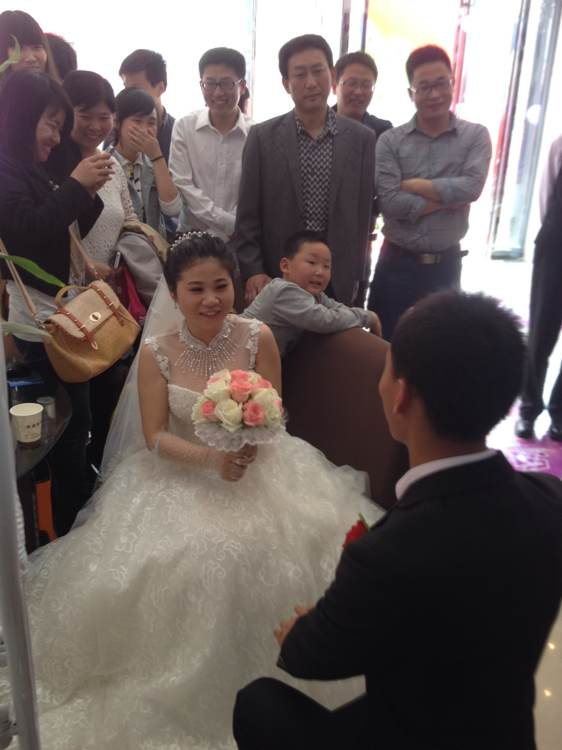 美女新娘和帅哥