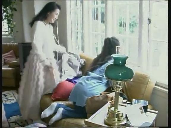 电视剧《他乡明月美女赵越和李媛媛的白袜