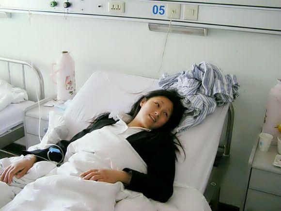 发现隔壁病床的女生自慰后连续更新