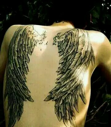 后背翅膀纹身,最好是大一点的图片