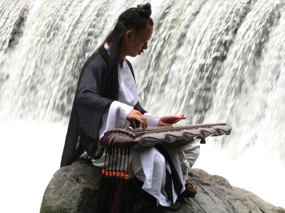 汉服 舞剑 古琴 琴剑逍人的潇洒生活图片