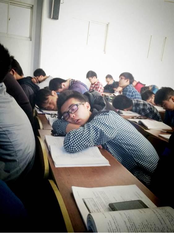 不上大学不知道上课可以这么睡觉_赣榆大学生吧_百度图片