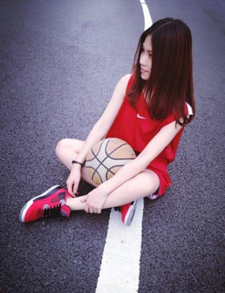 ... 篮球 衣 是 世界 上 最 美 的 连衣裙 篮球 衣 是 女生