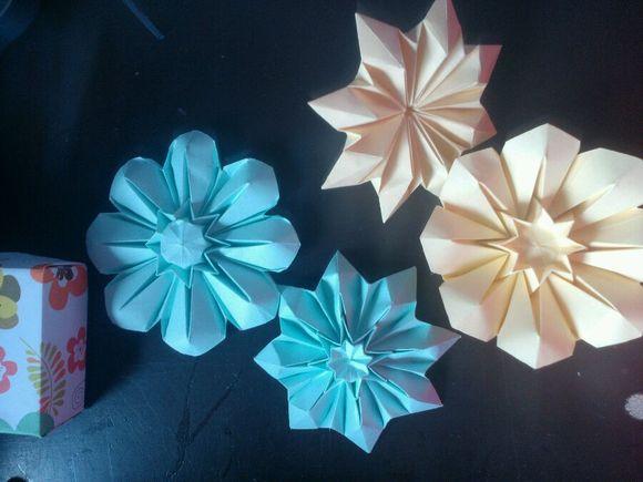 国庆节的折纸-图片教程   国庆节折纸花图解大全教程之折纸八瓣花制作教程   八瓣花图片