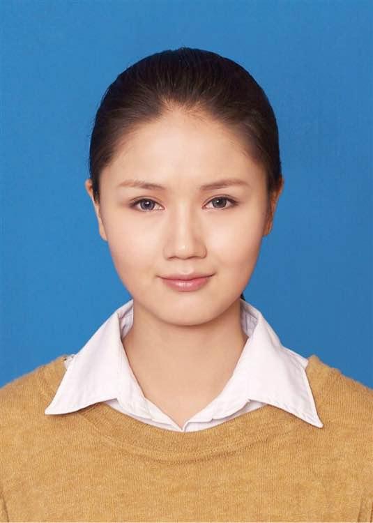 这是大凉山的彝族美女