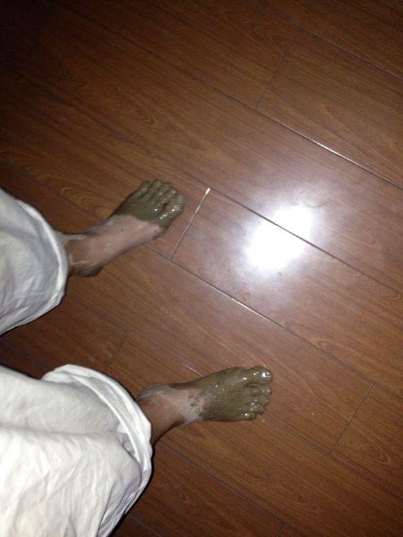 0801赤脚踩泥 赤脚吧