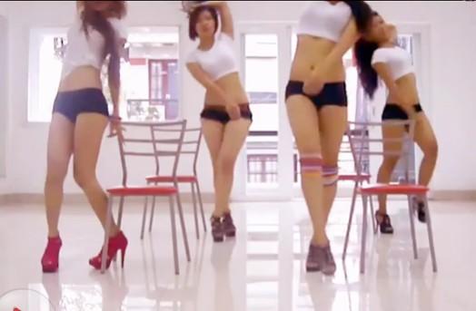 《直播间》wayeya 可爱美女热舞自拍