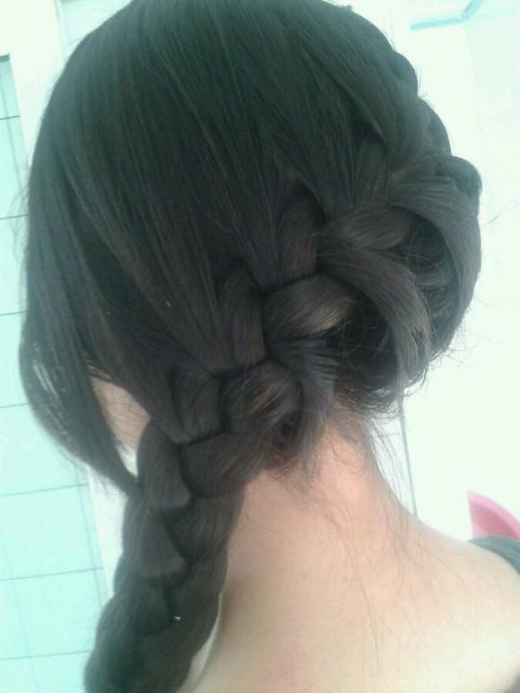 毕竟我有一个会编头发的姐姐 安徽财经大学吧