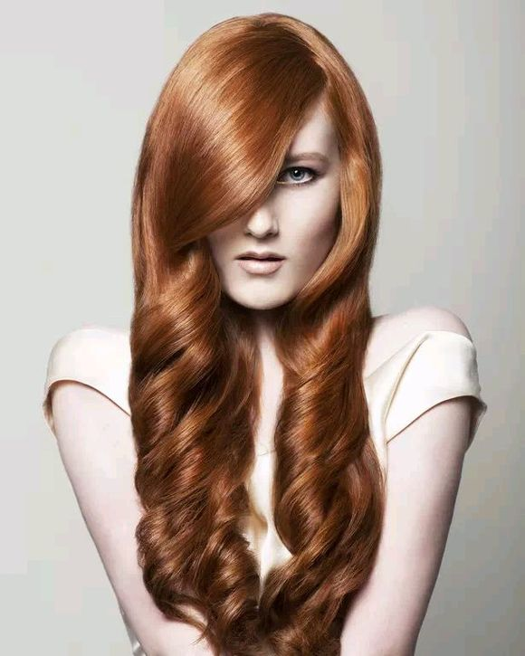 如果你想让自己看起来更女人味,那就非中长发莫属了,但并图片