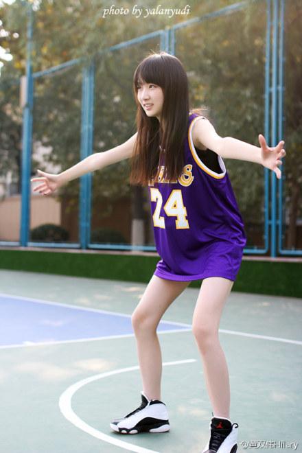 盘点最美球衣女神 女生打球穿球衣依然美艳动人