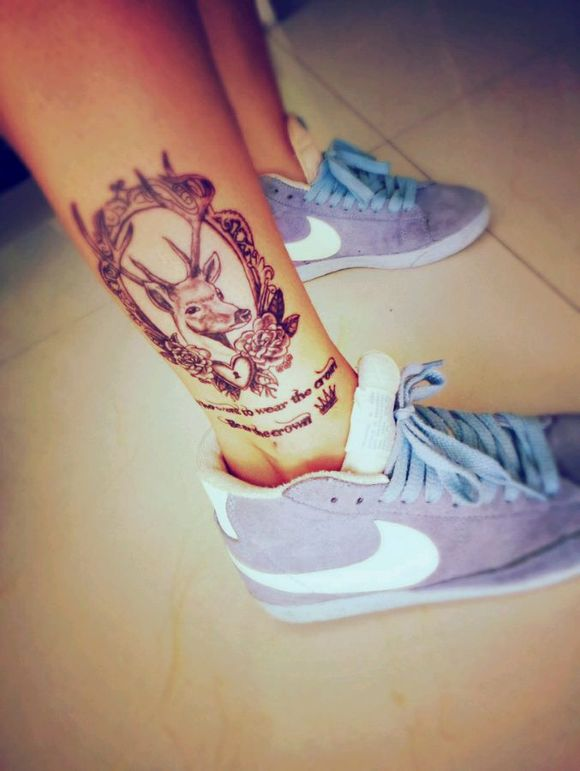 新纹身腿上小图图片