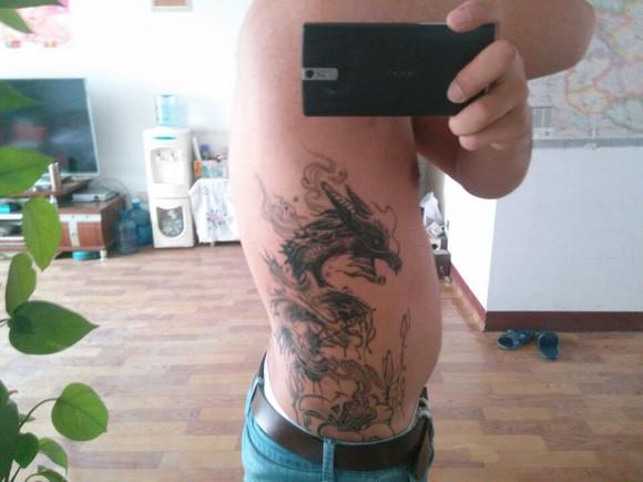 纹身后第六天,这两天好痒图片