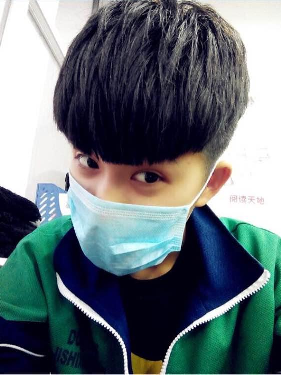 2015年2月4日-带口罩的男生头像频道标签:非主流男生头像图片 发布图片