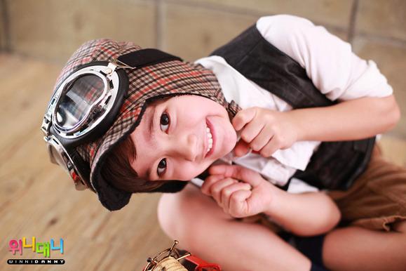 飞吧,我的摩托 韩国童星danny吧 百度贴吧 高清图片