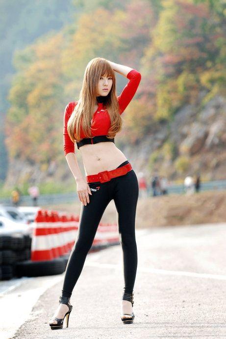 韩国美女车模 黄美姬 我喜欢紧身裤吧