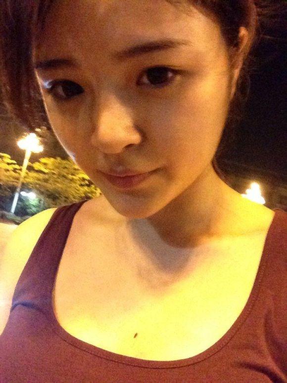 这是我的姐姐 发几张她的照片