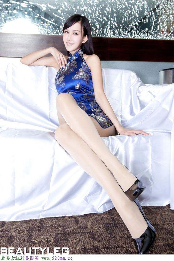 发一些制服短裙丝袜高跟鞋美女 竖