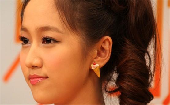刘美含 出生日期: 1991年4月9日 2004后,曾以童星的身份出现高清图片