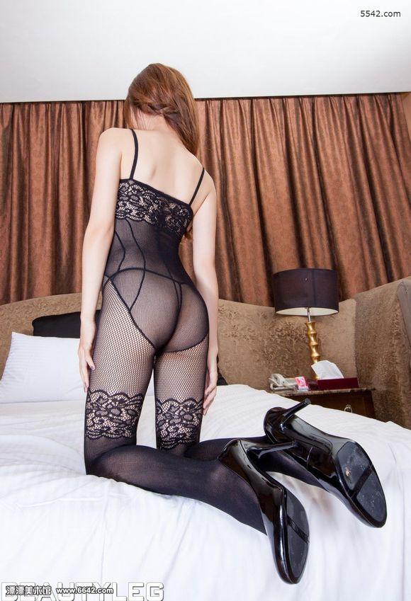 美女sabrina吊带连体网袜致命的诱惑
