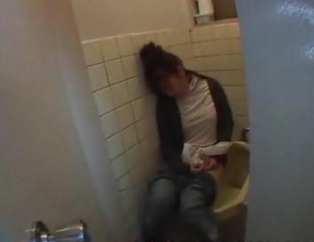 【偷拍】美女酒醉wc