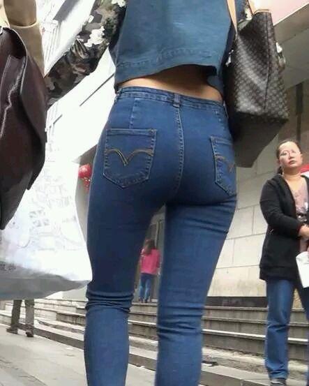 街拍牛仔裤美女 真想干一下