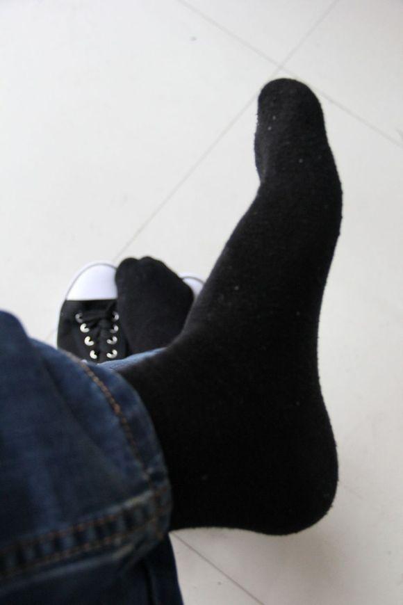酒店帅哥正装黑袜子图片