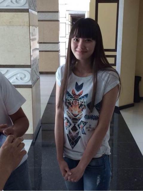 哈萨克斯坦女排18岁的九头身美女莎宾娜!