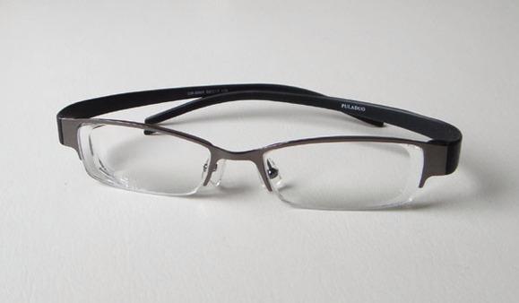 高度近视配眼镜要注意哪些图片