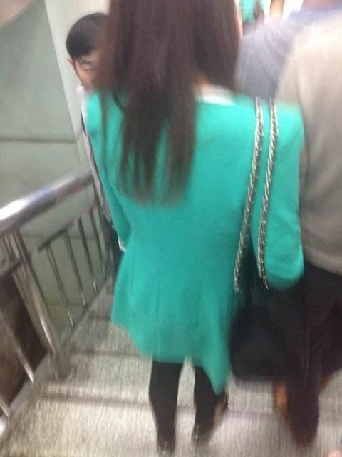 偷拍的美女…………背影侧面