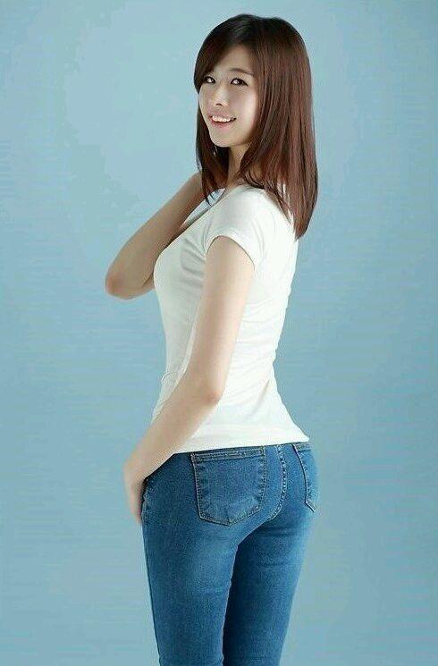 韩国美臀美女崔静文 热裤吧