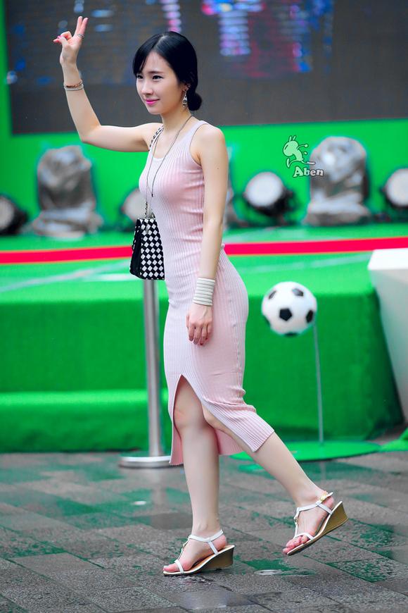 街拍:上海站及cj美女欣赏