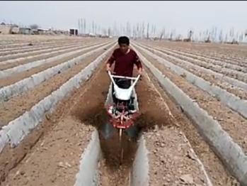 小型培土机
