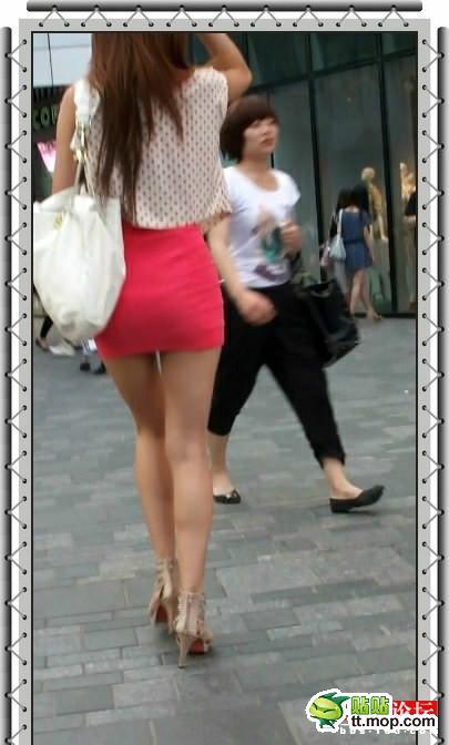 女生穿齐p小短裙大集合